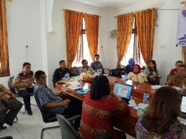 Wabub Boltim, Drs. Rusdi Gumalangit Ketika Membuka Kegiatan Workshop